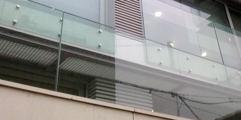 Balustrade din sticlă